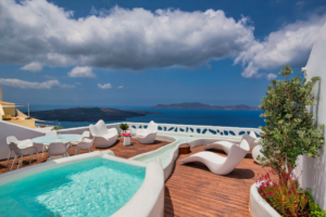 Screen Shot 2018 10 16 at 15.16.06 - Why Early Booking for Santorini Is The Best Idea