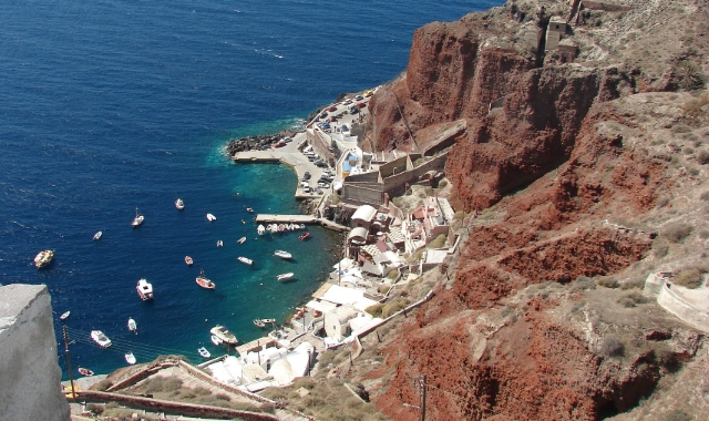 Santorini old port hike